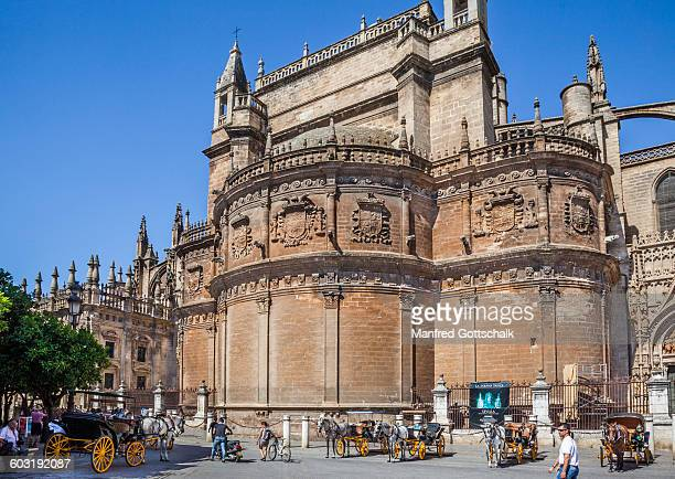 royal chapel exterior seville cathedral - royal cathedral stock pictures, royalty-free photos & images
