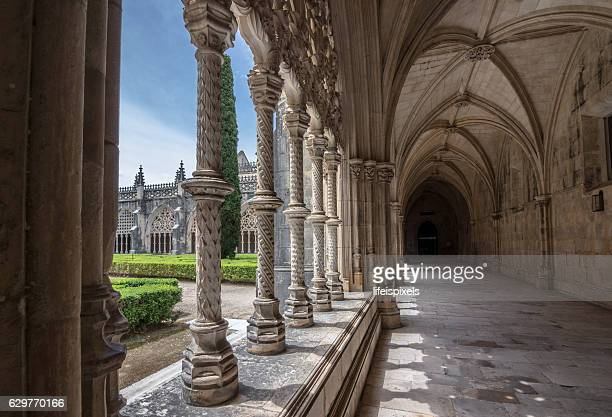 royal cloister of batalha monastery, portugal - lifeispixels stock pictures, royalty-free photos & images