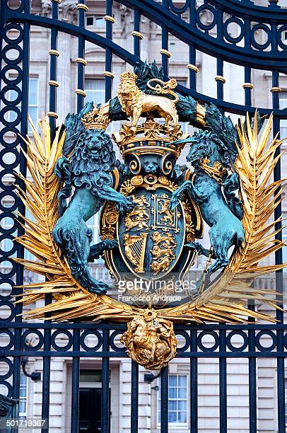 Royal Coat of Arms of the United Kingdom in the Palacio de Buckingham Gate, London England.