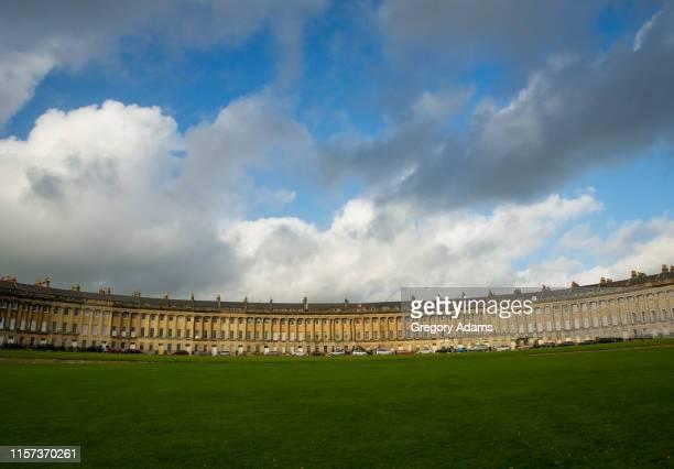 royal crescent, bath, england - 英イングランド バース ストックフォトと画像
