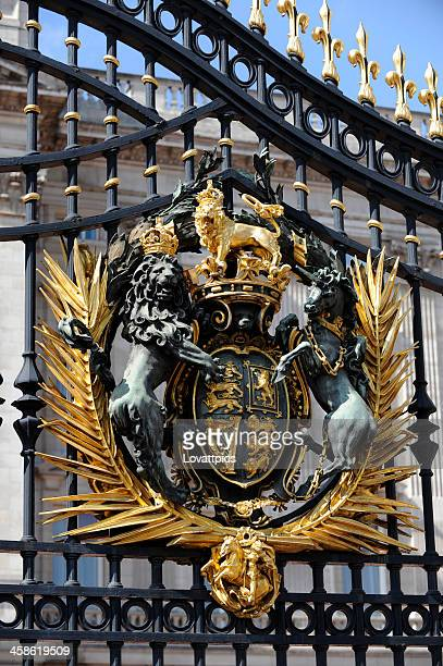 royal crest. coat of arms - buckingham palace crest stock pictures, royalty-free photos & images