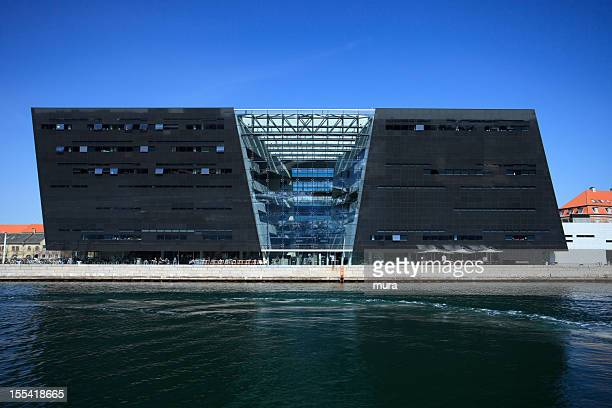 royal danish library (black diamond) - danish culture stock pictures, royalty-free photos & images