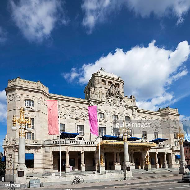 königliches dramatisches theater stockholm - stockholm stock-fotos und bilder
