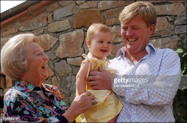 Royal dutch family on holidays in Toscany Queen Beatrix of Holland prince Willem Alexander his wife Princess Maxima and their children Princess...