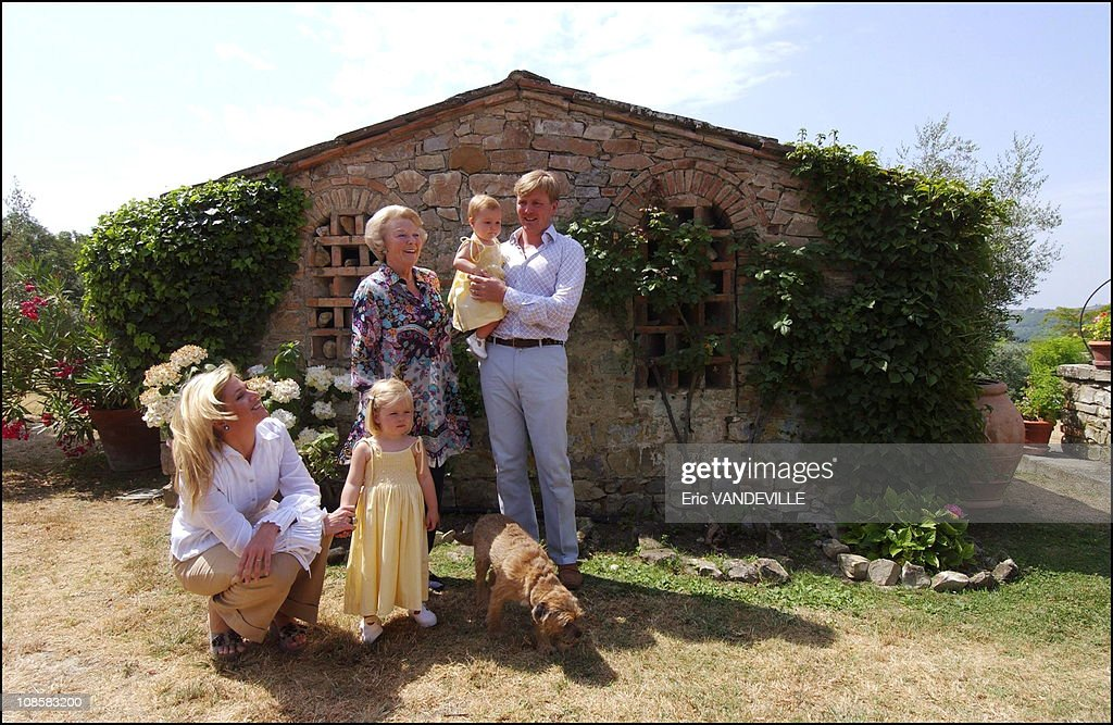 Royal dutch family on holidays in Tuscany, Italy on July 06, 2006.  : ニュース写真