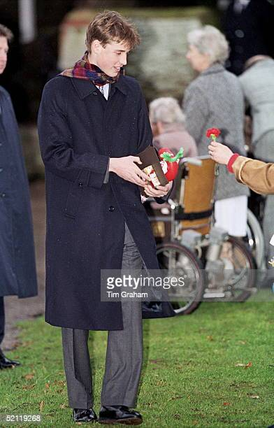 Royal Family Attending Christmas Day Service At Sandringham Church - Prince William Receiving Flowers And Christmas Presents From The Crowd