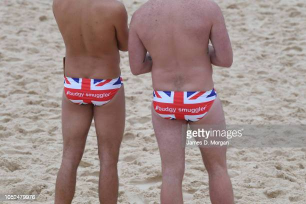 Royal fans on Bondi Beach await the arrival of Prince Harry Duke of Sussex and Meghan Duchess of Sussex on October 19 2018 in Sydney Australia The...