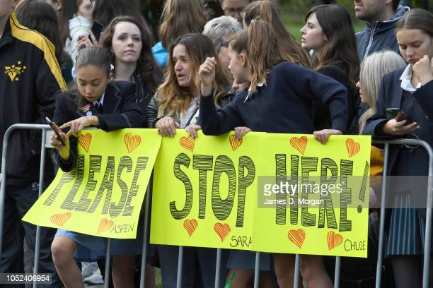 Royal fans wait on Government House Drive for the arrival of Prince Harry Duke of Sussex and Meghan Duchess of Sussex on October 18 2018 in Melbourne...