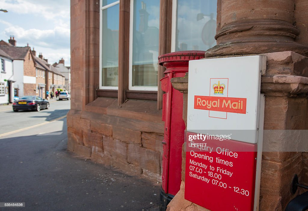 Royal Mail Post Box : Stock Photo