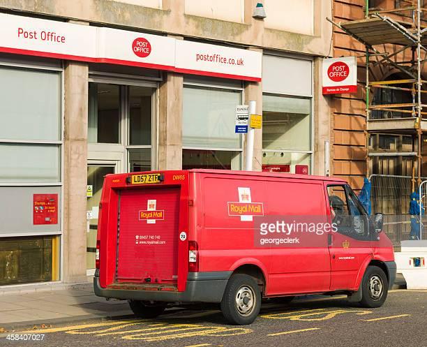 Royal Mail Van fora de correios