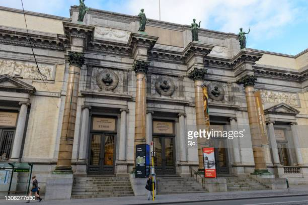 """royal museums of fine arts of belgium front facade - """"sjoerd van der wal"""" or """"sjo"""" stock pictures, royalty-free photos & images"""