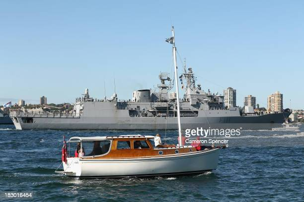 Royal New Zealand Navy warship HMNZS Te Mana arrives in Sydney Harbour on October 4 2013 in Sydney Australia Over 50 ships will participate in the...