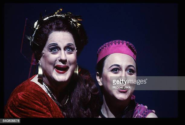 royal opera production of arianna - robbie jack stockfoto's en -beelden