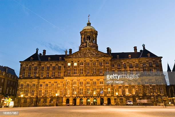 royal palace, amsterdam. - royal palace amsterdam stock pictures, royalty-free photos & images