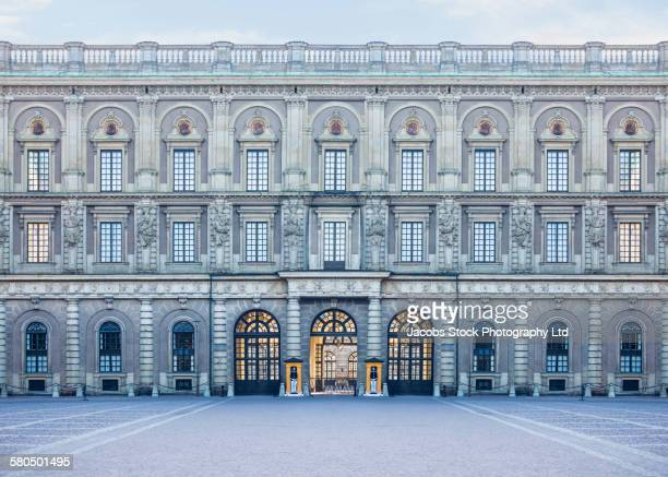 royal palace and courtyard, stockholm, stockholm, sweden - the stockholm palace stock pictures, royalty-free photos & images