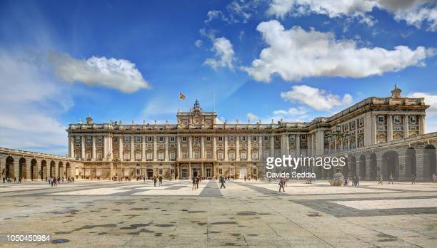 Royal Palace and 'Plaza de la armeria'