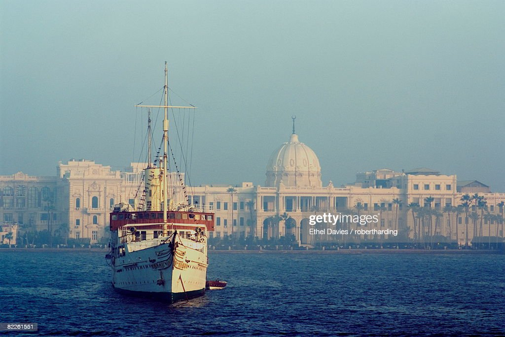 Royal Palace and yacht, Alexandria, Egypt, North Africa, Africa : Stock Photo