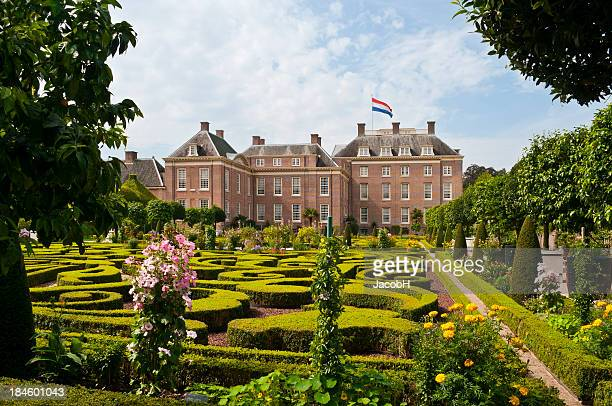 royal palace het loo - apeldoorn stock pictures, royalty-free photos & images