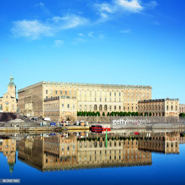 royal palace in stockholm - the stockholm palace stock pictures, royalty-free photos & images