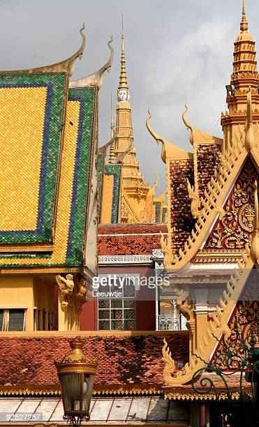 royal palace phnom penh cambodia asia - phnom penh stock pictures, royalty-free photos & images