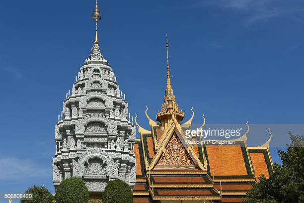 "royal palace phnom penh, pagoda and rooftops, cambodia - cambodia ""malcolm p chapman"" or ""malcolm chapman"" stock pictures, royalty-free photos & images"