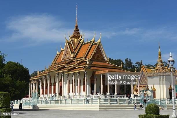 royal palace phnom penh, silver pagoda, cambodia - phnom penh stock pictures, royalty-free photos & images