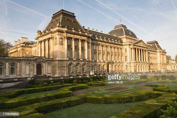 royal palace - royal palace brussels stock pictures, royalty-free photos & images
