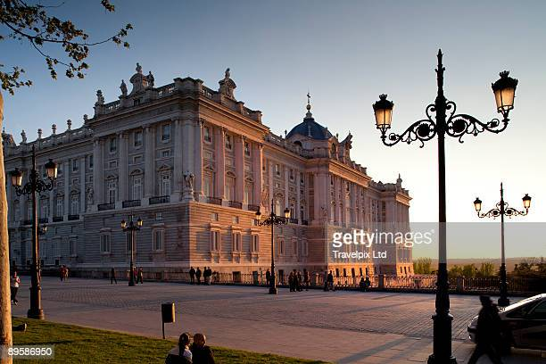 royal palace - madrid royal palace stock pictures, royalty-free photos & images