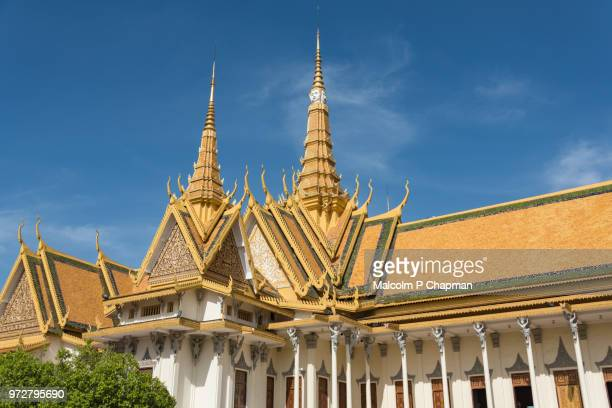 royal palace, throne hall,  phnom penh, cambodia - phnom penh stock pictures, royalty-free photos & images