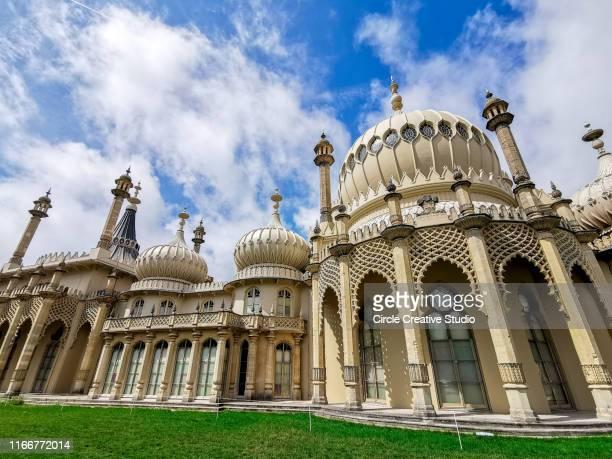 royal pavilion brighton east sussex zuid-engeland verenigd koninkrijk - paviljoen stockfoto's en -beelden