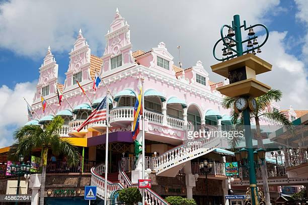 royal plaza mall, oranjestad, aruba. - oranjestad stockfoto's en -beelden