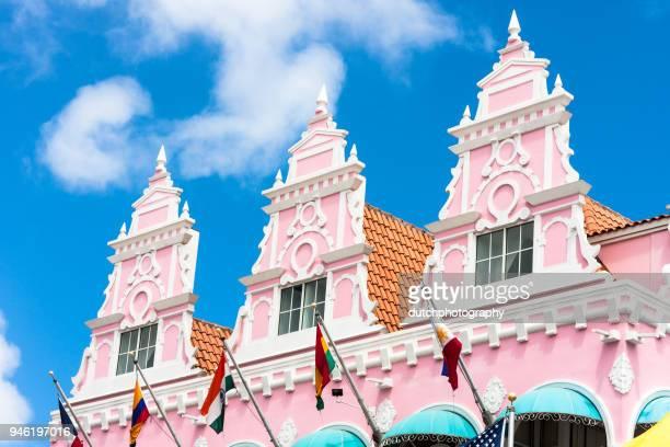 royal plaza, oranjestad, aruba - oranjestad stockfoto's en -beelden