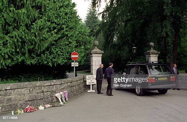 Royal Range Rover Car Drives Past Flowers Laid In Memory Of The Princess Of Wales Balmoral Castle