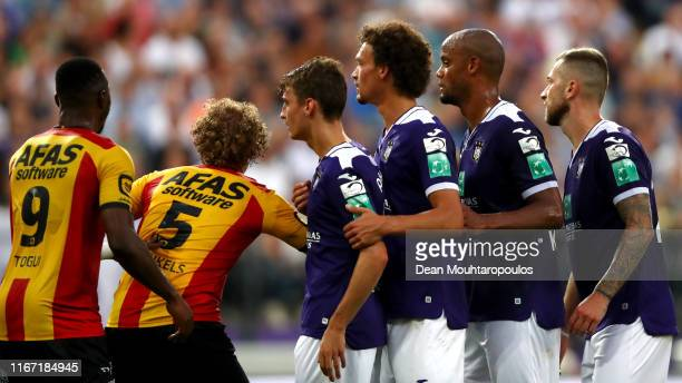 Royal Sporting Club Anderlecht Head Coach / Player Manager, Vincent Kompany gets his team ready for a corner during the Jupiler Pro League match...
