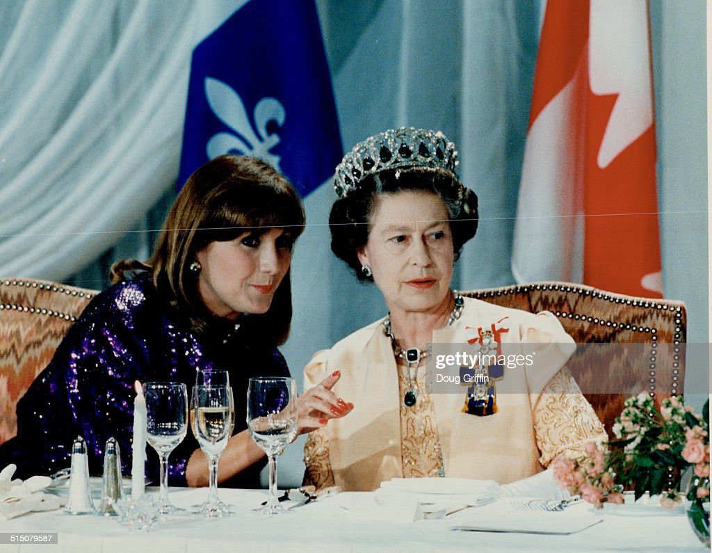 Royal Tours - Queen Elizabeth and Prince Philip (Commonwealth 1987)... : News Photo