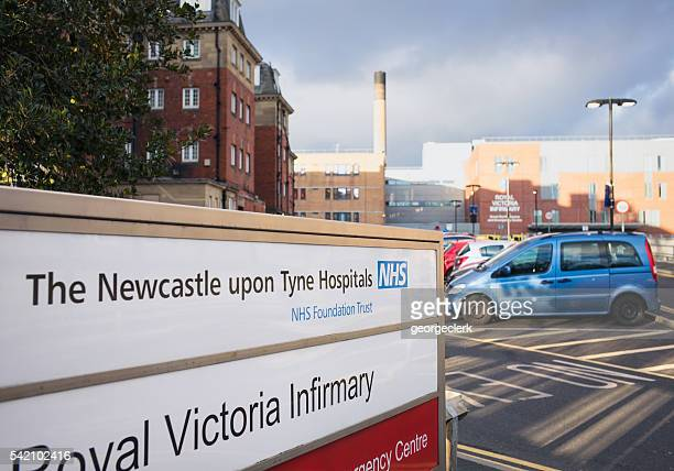 royal victoria hospital nhs infirmary accesso a newcastle, inghilterra - newcastle upon tyne inghilterra foto e immagini stock