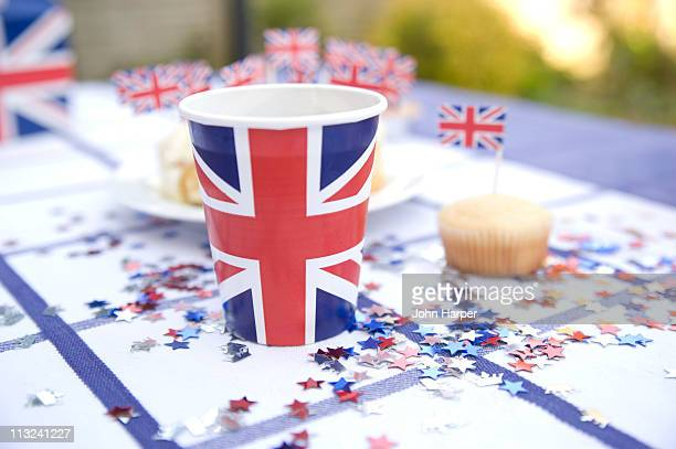 royal wedding garden party - british flag cake stock pictures, royalty-free photos & images