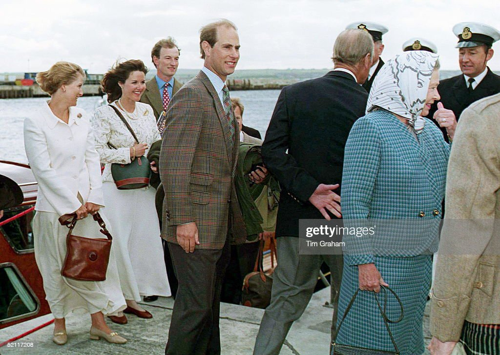 Royals Arriving At Scrabster Harbour, Scotland, During Their Holiday Cruise - Queen, Prince Edward, Sophie, Lord Ivar Mountbatten And His Wife