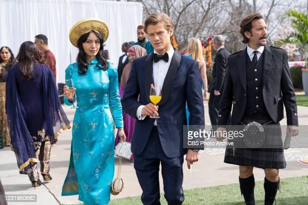 Royalty + Marriage + Vivaah Sanskar + Zinc + Henna Mac, Desi and Russ go undercover during a royal Indian wedding to protect a princess whose...
