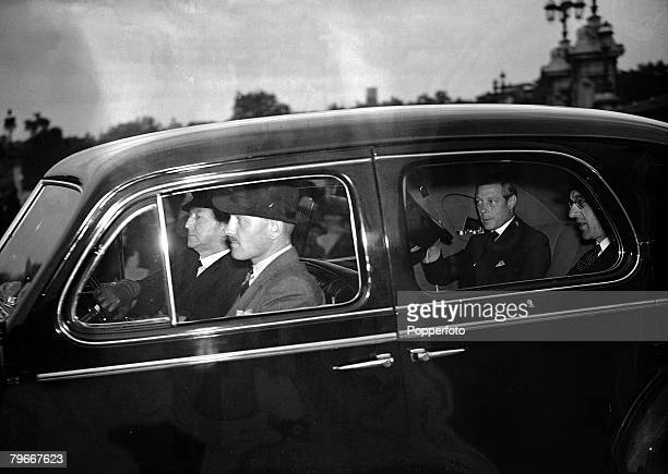 Royalty, The Duke of Windsor driving from Buckingham Palace with Sir Walter Monckton having returned to England for the first time since his...