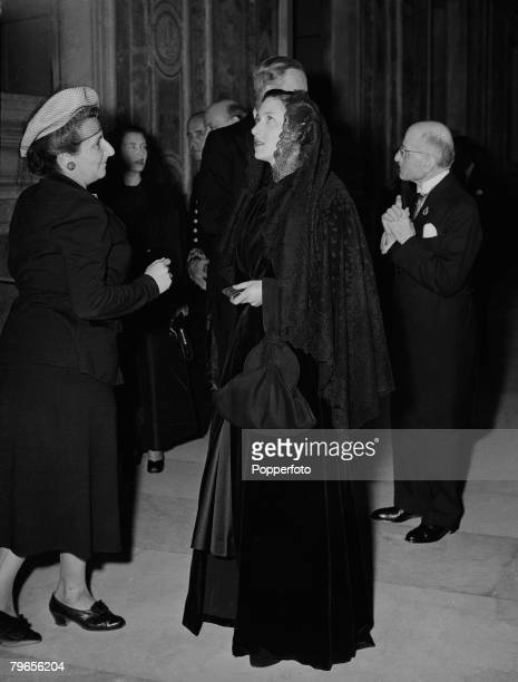 Royalty Vatican Italy 12th May 1949 HRH Princess Margaret wearing a black lace mantilla while a visit to the Pope