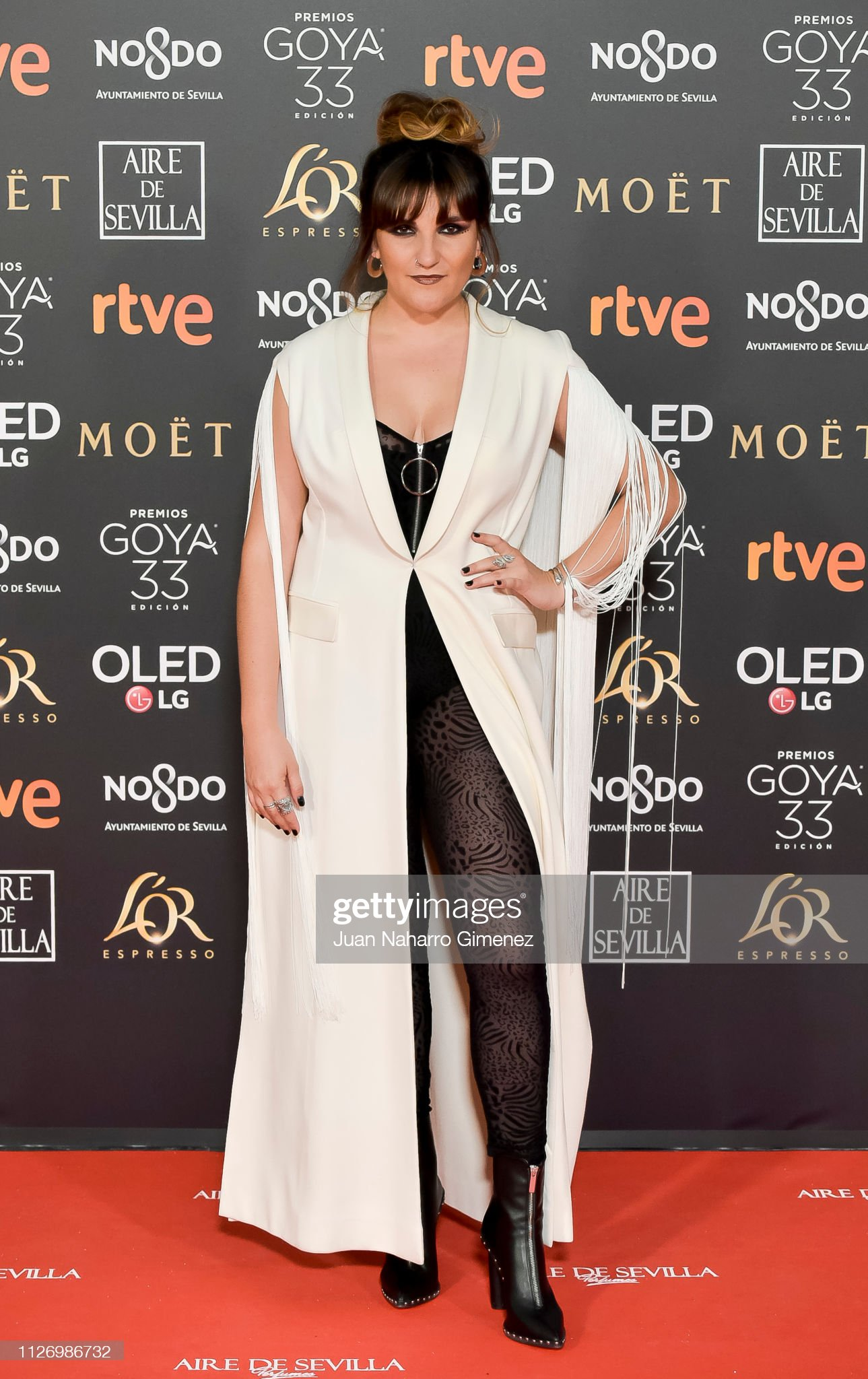 ¿Cuánto mide Rozalén? - Altura Rozalen-attends-the-goya-cinema-awards-2019-during-the-33rd-edition-picture-id1126986732?s=2048x2048