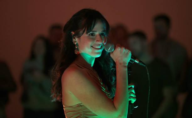 NY: Rozzi In Concert