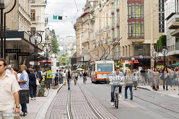 rua du marché en ginebra - geneva switzerland fotografías e imágenes de stock