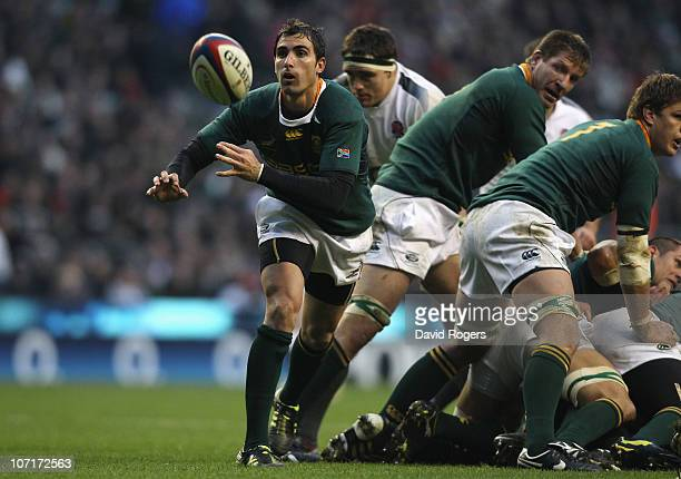 Ruan Pienaar of South Africa passes the ball during the Investec Challenge match between England and South Africa at Twickenham Stadium on November...