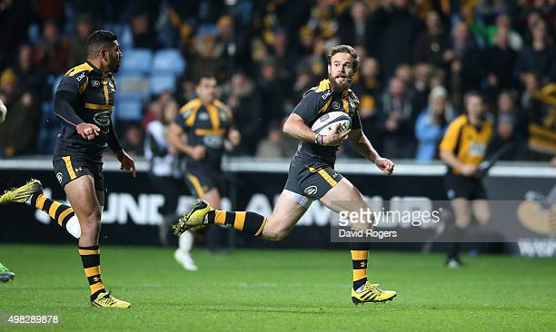 Ruaridh Jackson of Wasps breaks clear to score a try during the European Rugby Champions Cup match between Wasps and Toulon at the Ricoh Arena on...