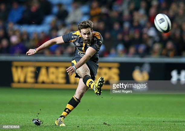 Ruaridh Jackson of Wasps kicks a penalty during the European Rugby Champions Cup match between Wasps and Toulon at the Ricoh Arena on November 22...