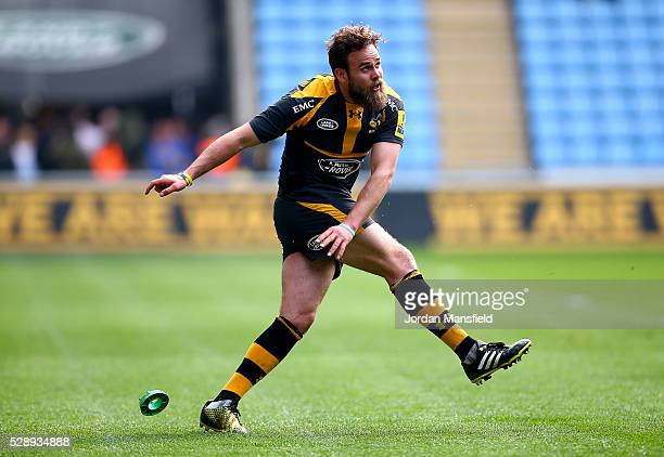 Ruaridh Jackson of Wasps kicks during the Aviva Premiership match between Wasps and London Irish at the Ricoh Arena on May 07 2016 in Coventry England