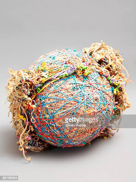 Rubber band ball with broken bands