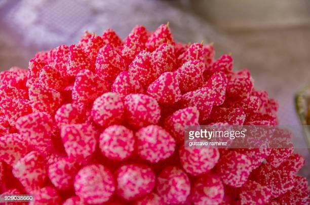rubber strawberry candies - dentist horror stockfoto's en -beelden
